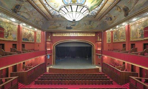 Süreyya Operası sahne ve koltuklar