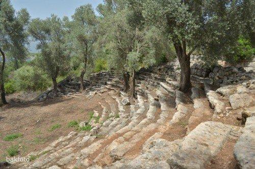 Kedrai'deki antik tiyatro