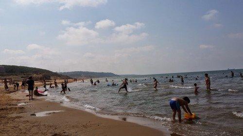 kumsal ve denizde çocuklar