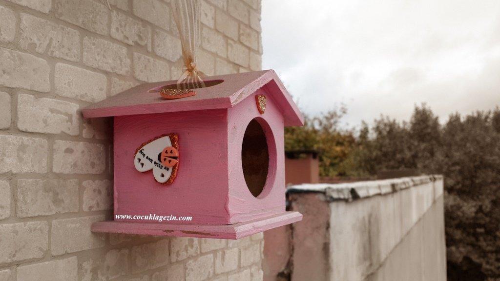 Evet yaz başından beri terasta kuşlara su ve yem veriyoruz ;)