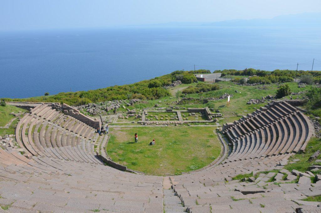 Behramkale Antik Tiyatrosu ve muhteşem manzarası...