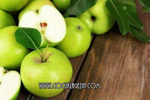 Yeşil elmalar çok lezzetli değil mi? Hem biliyor musunuz, spordan önce yerseniz kilo vermenizi sağlıyormuş ;)