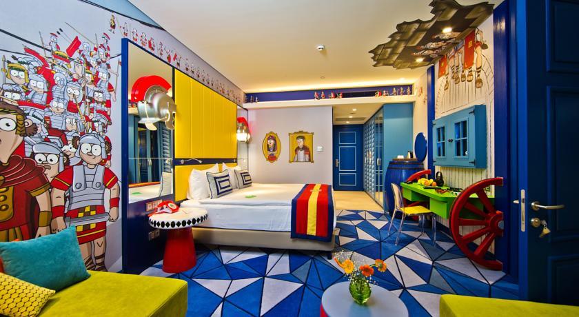 Efsane odalarla devam ediyor. Çocukların keyfine göre döşenmiş bir oda sizi bekliyor.